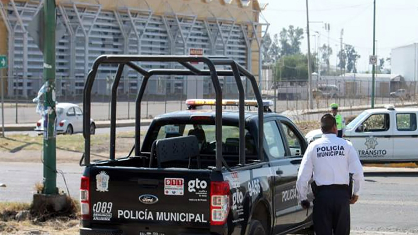 Irapuato officers oversee security of a main road in March 2019.