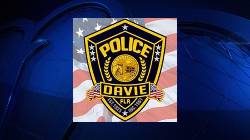 080416 davie pd logo