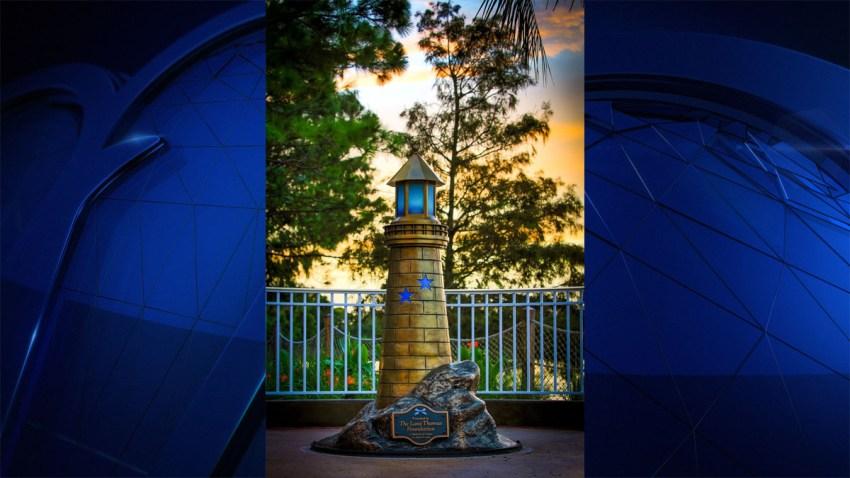 080717 Gator Attack Boy Statue at Disney