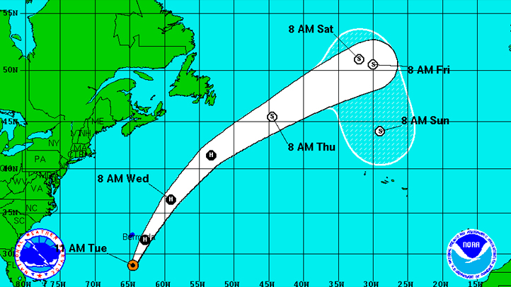 101612 hurricane rafael 11 am