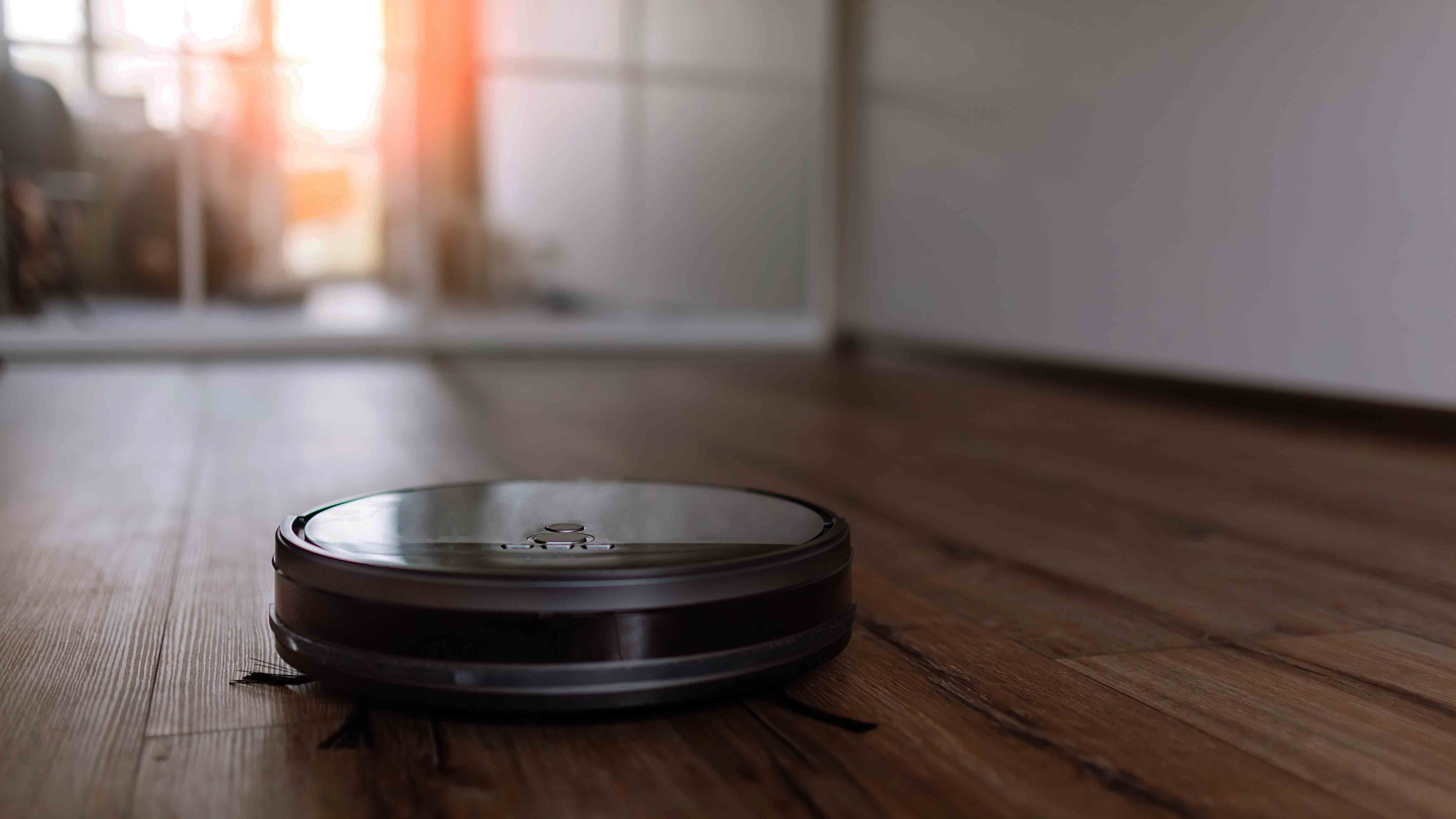 N. Carolina Couple Calls 911 on Robot Vacuum Mistaken for Intruder