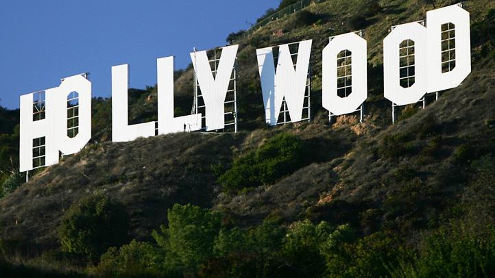 56177540DM012_Hollywood_Sig
