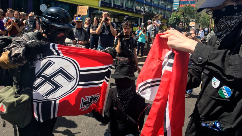 Portland Police Right Wing Extremists