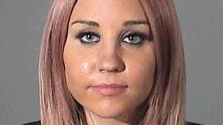Amanda Bynes booking photo mugshot
