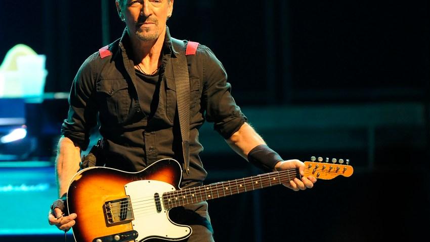 Bruce-Springsteen-Mohegan-Sun-Arena-18