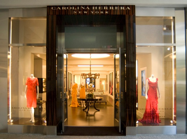 Carolina Herrera N1079_Bal Harbour Boutique_Exterior