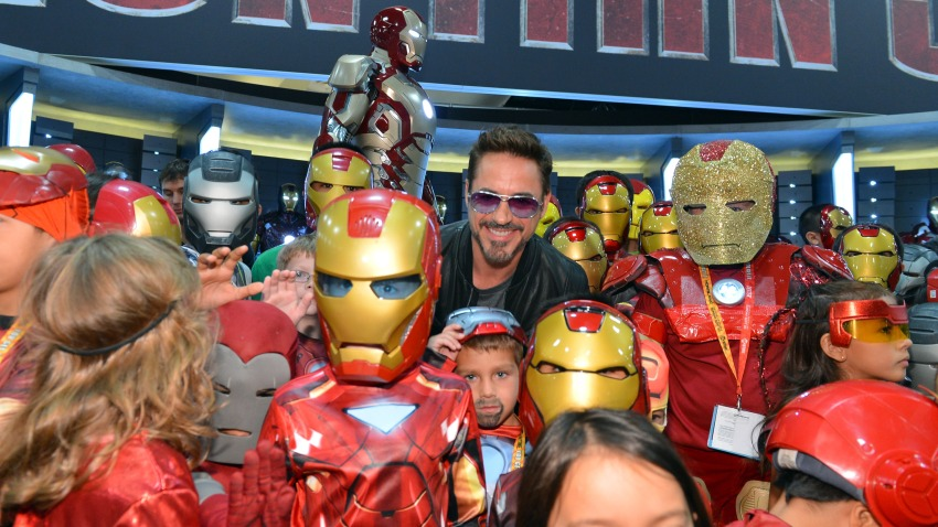 Downey with kid fans