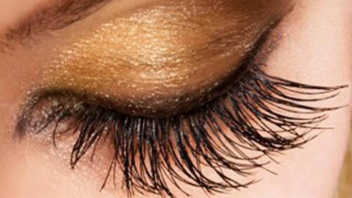 Woman eye eyelashes 722 x 406