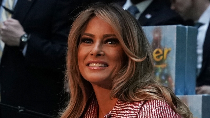 775265223AW004_First_Lady_M