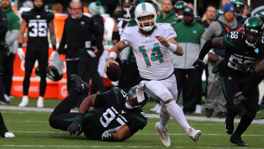 Dolphins QB Fitzpatrick Has Chance to Lead Team in Rushing This Year
