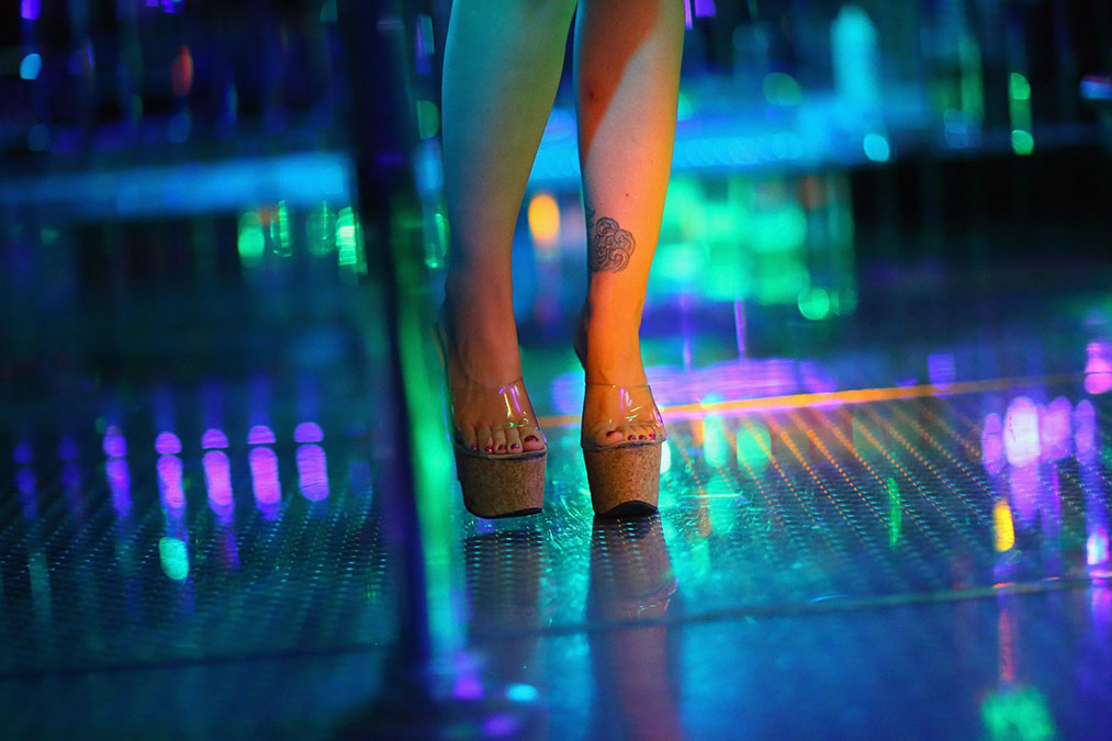 7 Topless Bars and Strip Clubs in the Orlando Area