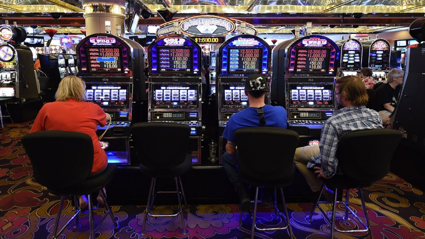 South florida gambling casinos host a casino party at home