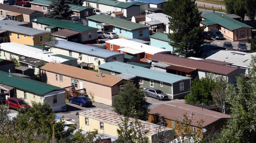 AP EXPLAINS PARKED-MOBILE HOMES