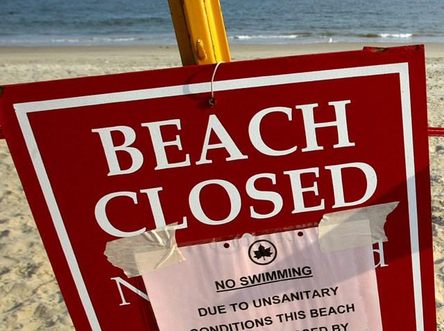 2407880MT004_beach
