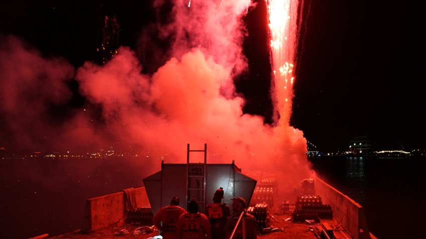 Wawa Welcome America 2019 Barge Fireworks Tug Red