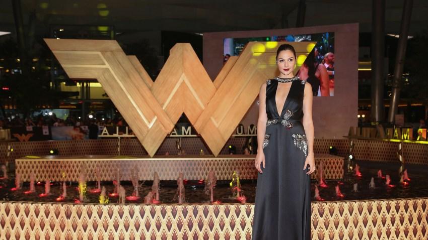 Wonder-Woman-(Gal-Gadot)-
