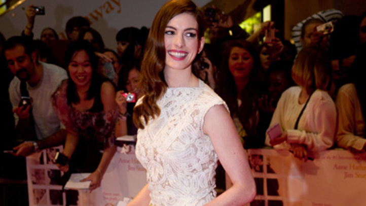 anne-hathaway-best-dressed-082611