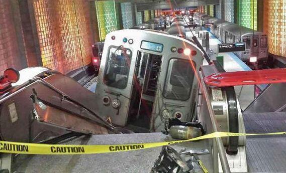 "[UGCPHI-CJ]Holy smokes. ""@NBCPhiladelphia: Train derails at major American airport: http://t.co/lEEYJXflDJ http"