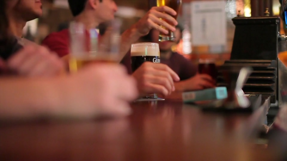 A downtown Fort Lauderdale bar announced it would once again close its doors due to the recent rise in coronavirus cases across Florida – two days after…