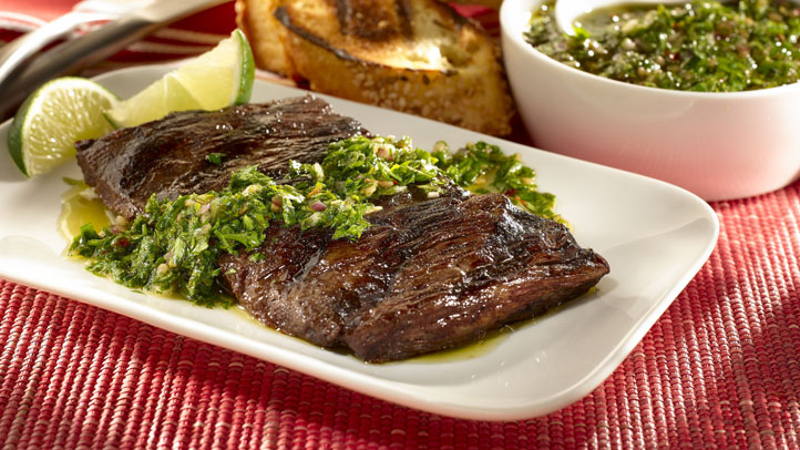 grilled_skirt_steak_with_chimichurri