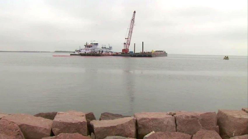 houston-ship-channel-oil-spill-032514
