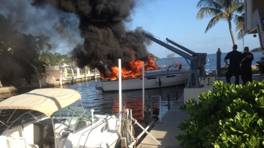 key largo boat fire