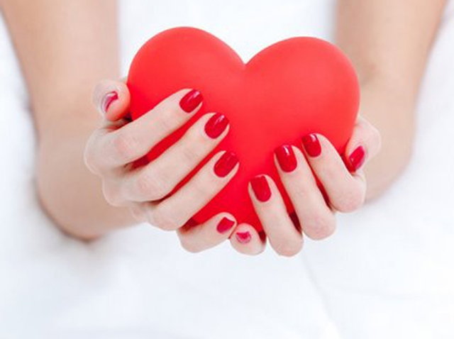 red-nailpolish valentines nailbar