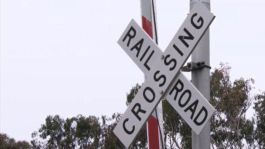 train-crossing-generic-sign-Carlsbad