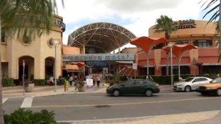vicente-solano-bomba-dolphin-mall-006