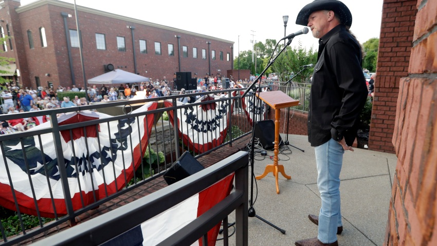 Trace Adkins performs during a memorial service for musician Charlie Daniels