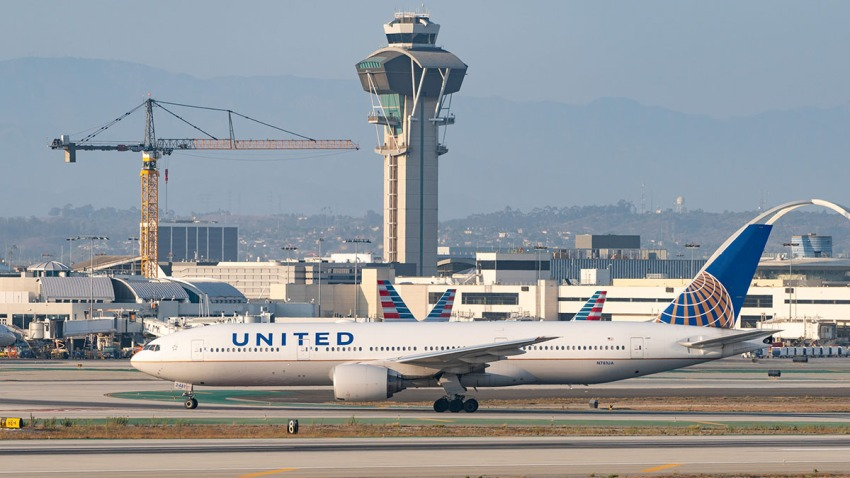 United Airlines Boeing 777 takes off from Los Angeles International Airport, Aug. 27, 2020.