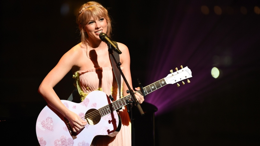 Taylor Swift To Perform At 2020 Acm Awards For First Time In 7 Years Nbc 6 South Florida