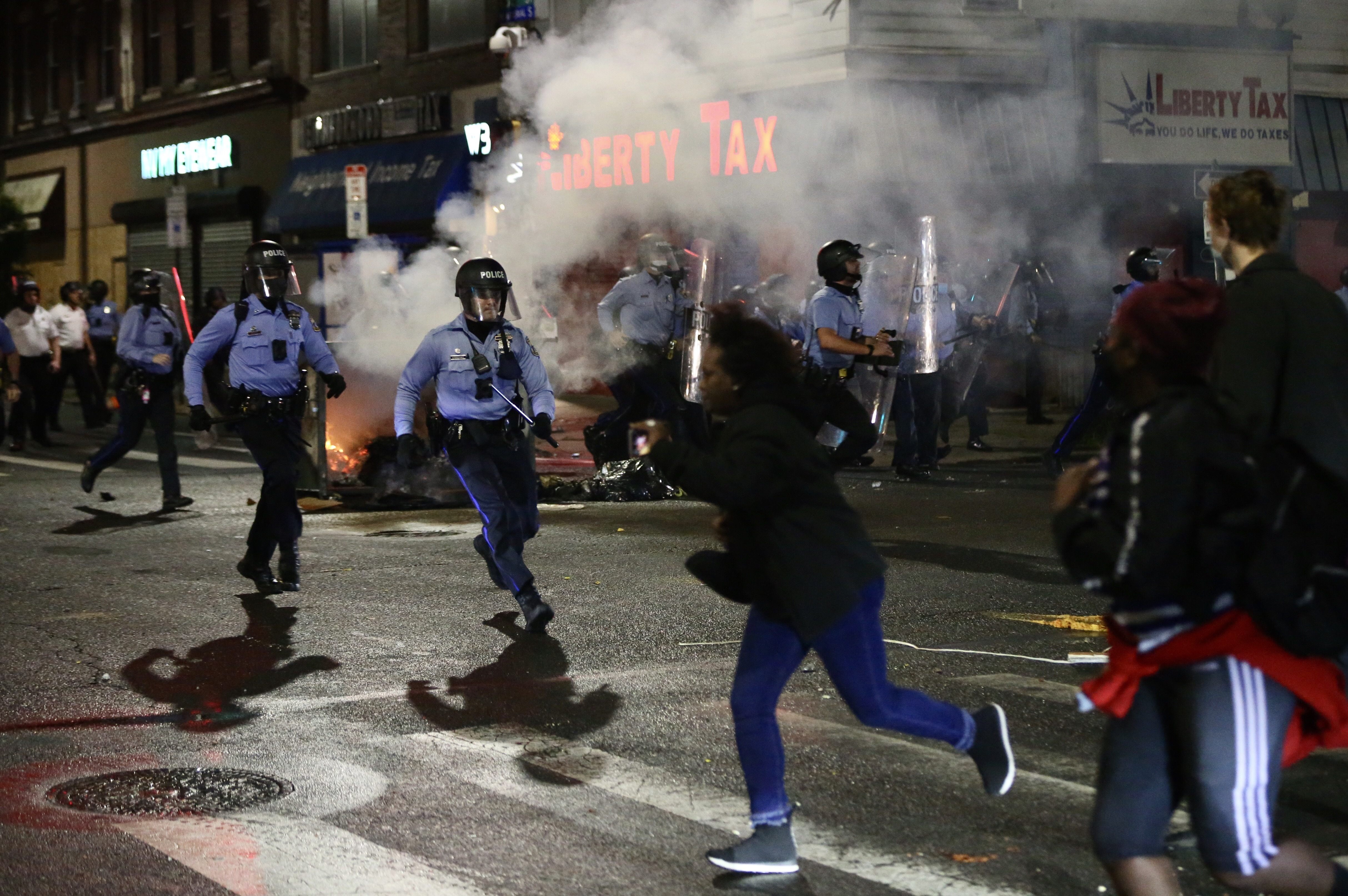 Violence Tears Through West Philadelphia, Other Neighborhoods After Police Shoot, Kill Walter Wallace Jr.; 30 Officers Hurt – NBC 6 South Florida