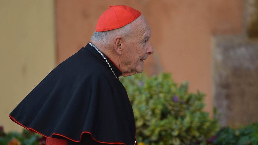 Cardinal Edgar Theodore McCarrick arrives for talks ahead of a conclave to elect a new pope on March 4, 2013, at the Vatican.