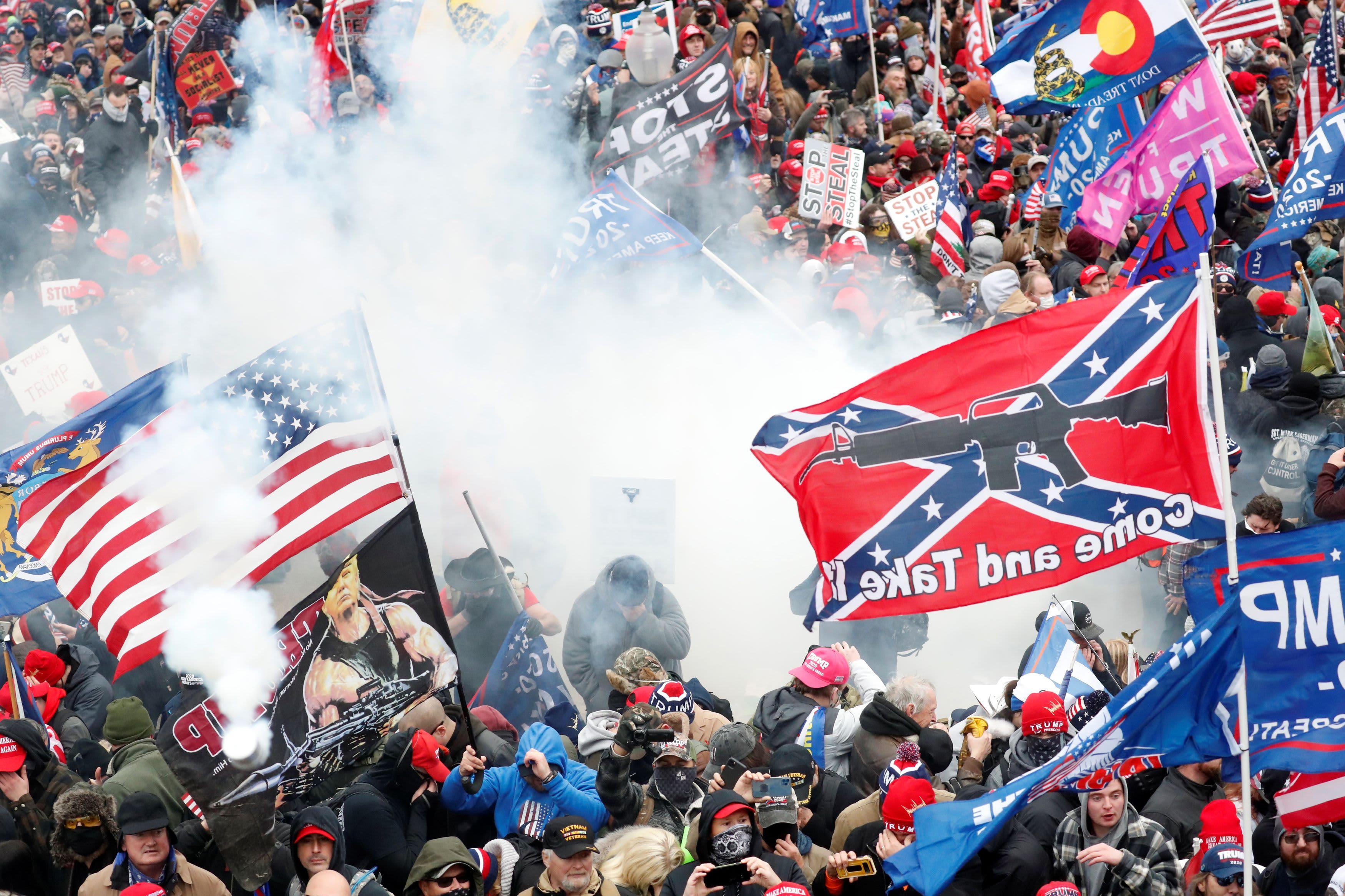 Miles de votantes del sur de la Florida cambiaron de partido después del ataque al Capitolio