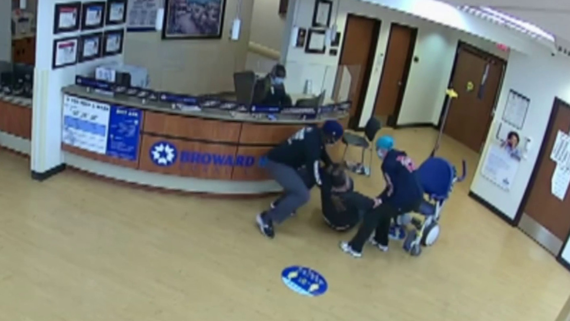 Footage Shows Man Having Heart Attack Inside Hospital, Staff Rushing to Help