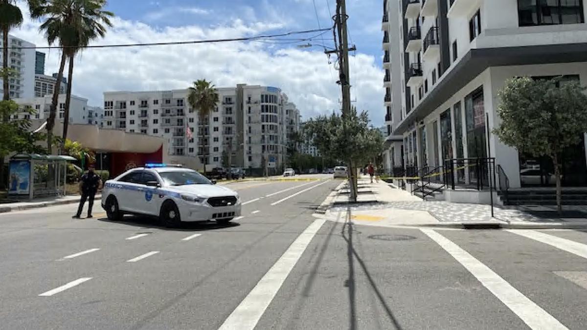 Mujer que disparó contra agentes asesinados por la policía durante el desalojo en el edificio de apartamentos de Miami