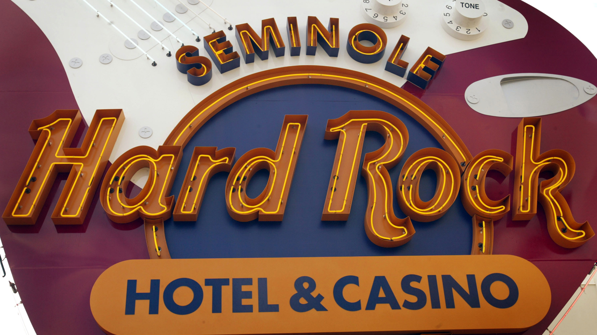 Doctor Accused of Gambling in Hard Rock Casino While Her Kids Sat Alone in Car