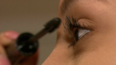Study: Makeup With Toxic Chemicals Sold in US, Canada