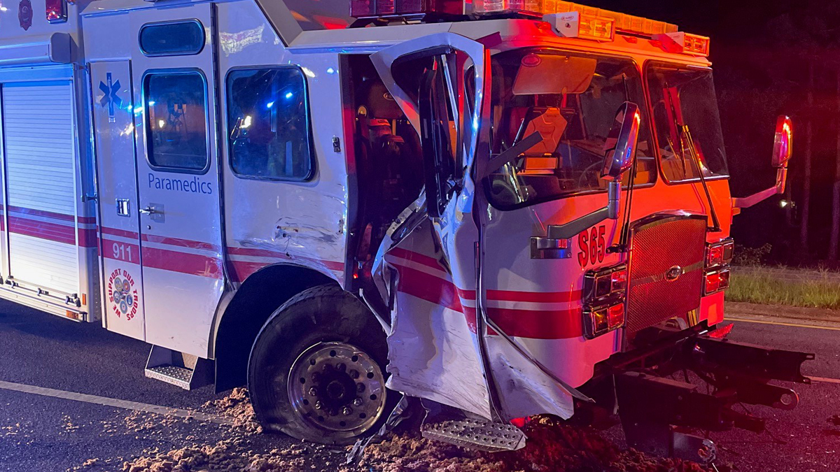 Florida Firefighter Hit by Truck While Responding to Crash