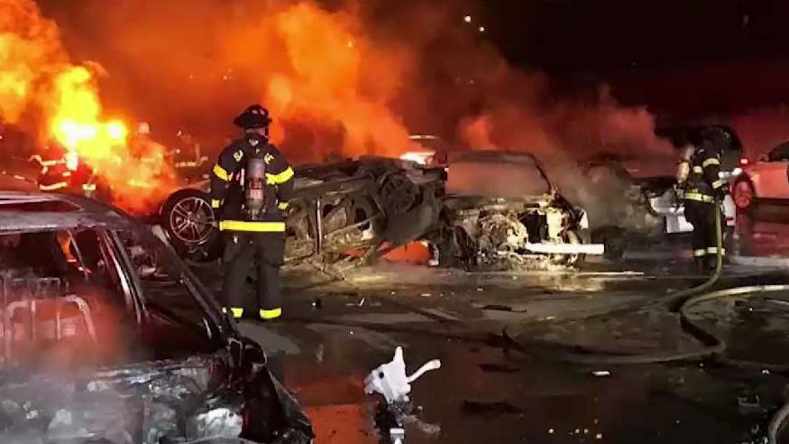 4 vehicles catch fire in deadly 101 wreck, hours of delays possible