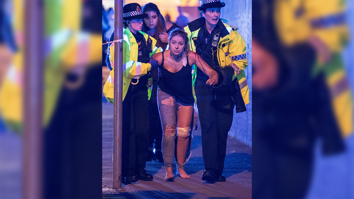 Eldely With No Fan : Explosion at ariana grande concert manchester arena