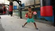 554217141ES031_Boxing_In_Cu