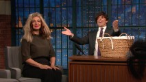 ScreenShot2017-07-18at5.55.33AM 'Late Night': Maya Rudolph Plays Basket o' Wigs