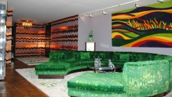 Peek Inside This 70s Chicago Penthouse