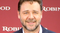 Russell Crowe Talks Singing Live For