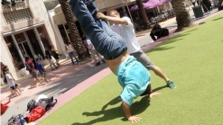 Cirque Eloize iD: Handstand Day in Miami