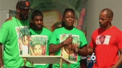 Actor Jamie Foxx Joins Trayvon Martin's Parents at 'Peace Walk'
