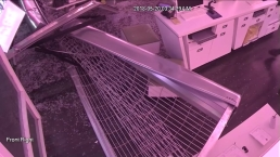 Hollywood T-Mobile Smash and Grab Caught on Camera