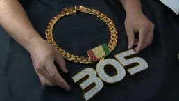 Miami Unveils Turnover Chain for 2019, Rings for Offense